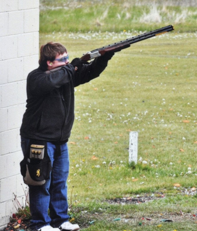 Picture of Joe Larsen shooting skeet